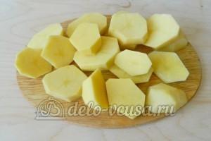 Свиные ребрышки в пакете для запекания: Режем картофель