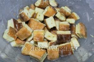 Торт Графские развалины из бисквита: Пропитать светлый бисквит