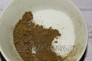 Торт Графские развалины из бисквита: Добавить какао и масло