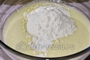 Торт Графские развалины бисквит: Добавить кефир, соду и муку