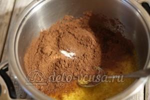 Торт Улей: Добавить какао и ваниль