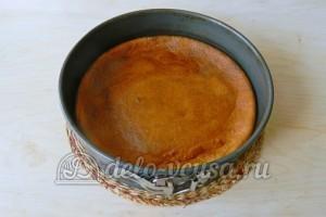 Торт с консервированными персиками: Запекаем корж в духовке