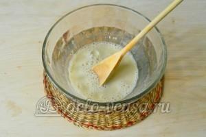 Большая ватрушка с творогом: Добавить сахар и соль