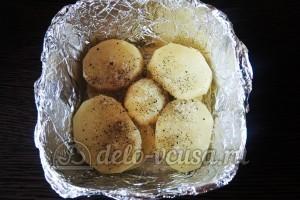 Куриное филе Сюрприз: Кладем в форму слой картошки