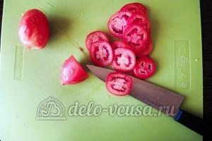 Куриное филе Сюрприз: Порезать помидоры