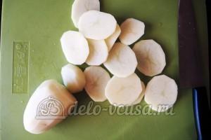 Куриное филе Сюрприз: Порезать картошку