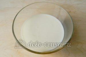 Блинчики с фаршем: Яйца и молоко соединить