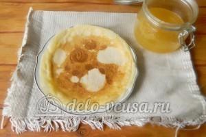 Блины со сгущенкой: Блины кладем на тарелку