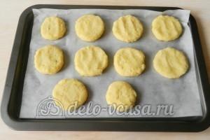 Финские картофельные лепешки: Сформировать лепешки