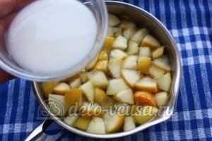 Кисель из мандаринов и яблок: Добавить крахмал