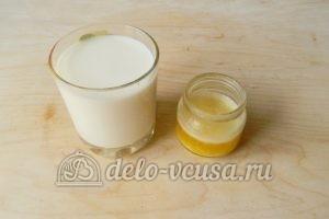 Мягкие вафли в вафельнице: Подготовить масло и молоко