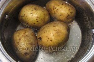 Окрошка с редиской: Картошку отварить