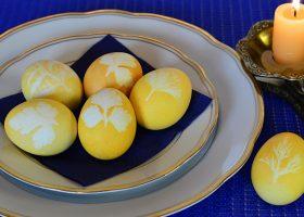 Пасхальные яйца с листочками