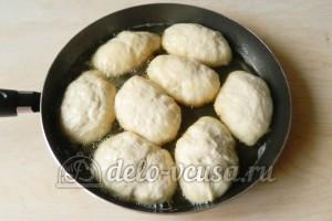Жареные пирожки с мясом: Жарим пирожки