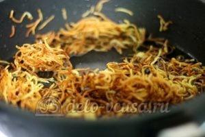 Салат Гнездо глухаря с мясом: Картошку пожарить