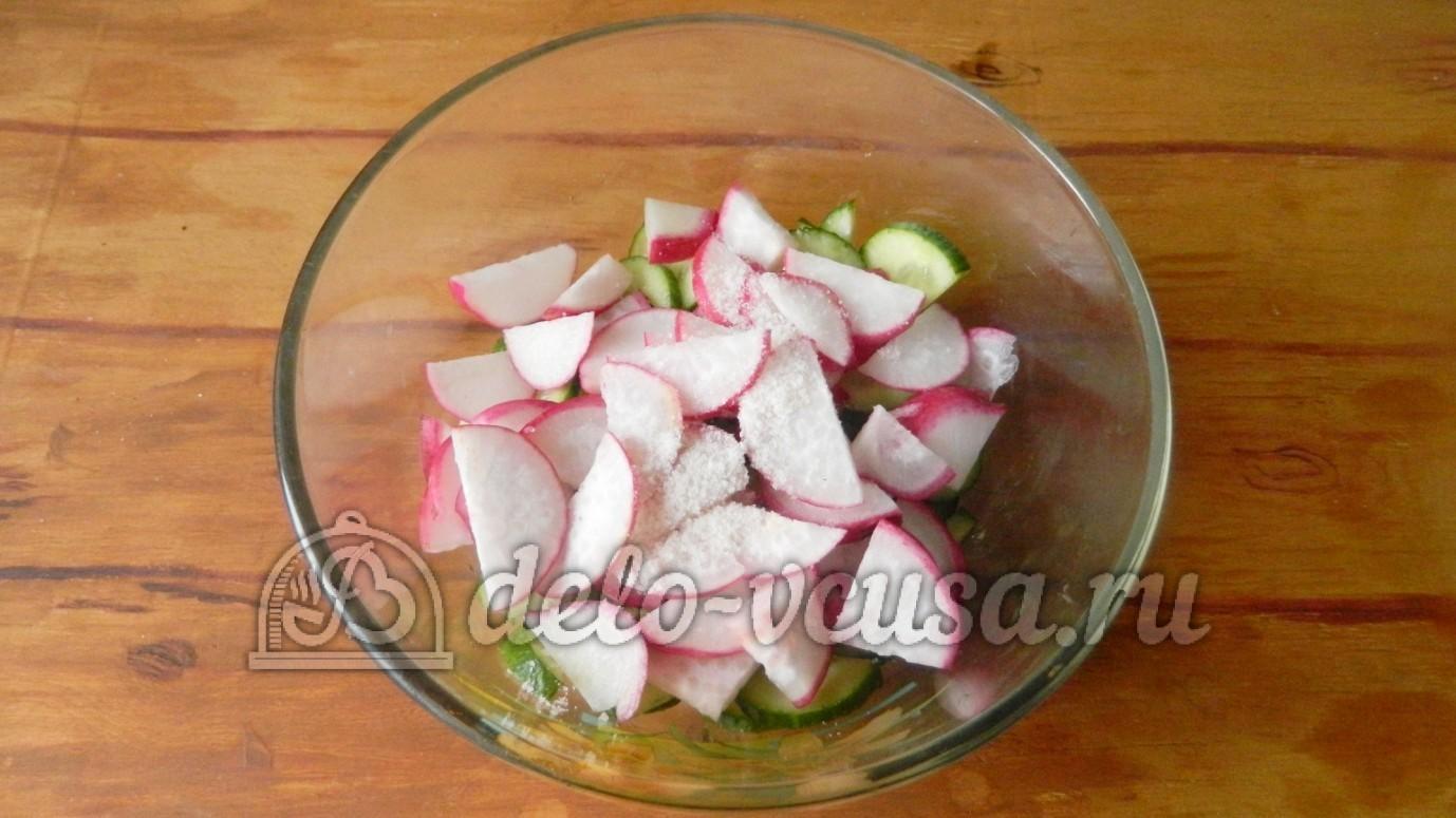 салат из редиски и огурцов со сметаной рецепт