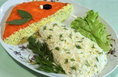 Салат с опятами и сыром