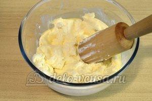 Сырники с курагой: Тщательно перетереть