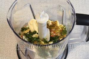 Закуска на чипсах с курицей: Добавить специи
