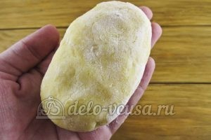 Зразы картофельные с курицей: Формируем зразы