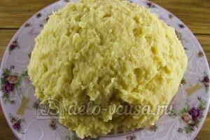 Зразы картофельные с курицей: Замесить тесто