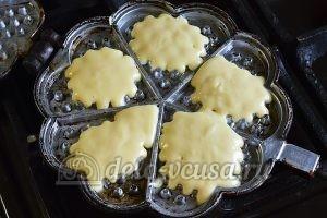 Бельгийские вафли: Вылить тесто