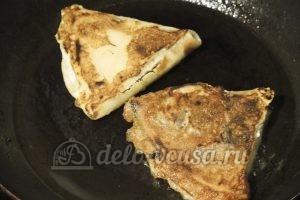 Бендерики с творогом: Жарим на сковородке с двух сторон