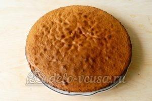 Бисквитный торт с клубникой: Бисквит достать из формы