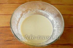 Блинный торт с заварным кремом: Взбить миксером