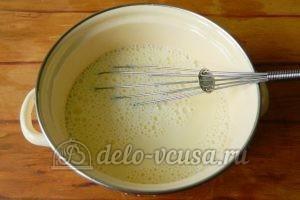 Блины с ягодами: Добавить теплое молоко