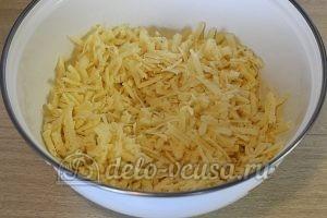 Кутабы с сыром и зеленью: Натереть сыр