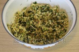 Кутабы с сыром и зеленью: Хорошо перемешать начинку