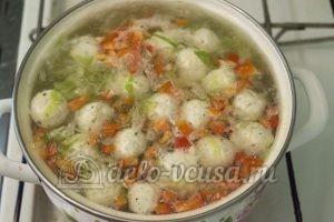 Овощной суп с фрикадельками: Добавляем фрикадельки
