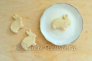 Печенье на пиве: Обмакнуть печенье в сахар