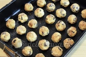 Печенье с корицей и изюмом: Кладем на противень