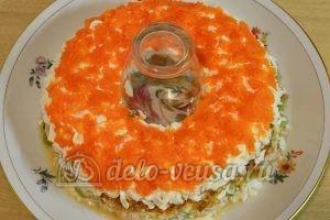 Салат Малахитовый браслет: Сверху кладем слой морковки