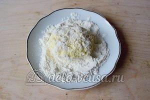 Сливочные сырники: Сформировать сырники