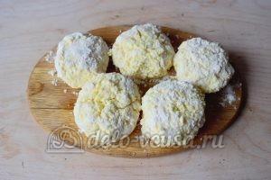 Сливочные сырники: Сформировать все сырники