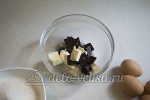 Торт Захер: Растопить шоколад с маслом