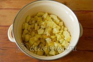 Варенье из кабачков с лимоном: Добавить лимон в кастрюлю