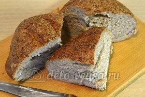Фаршированный хлеб с рыбными консервами: Порезать хлеб