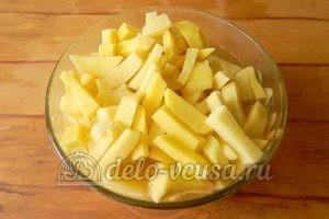 Жареная картошка с шампиньонами: Картошку очистить и порезать