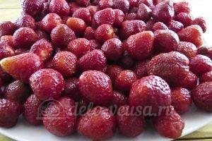 Джем из клубники: Высушить ягоду