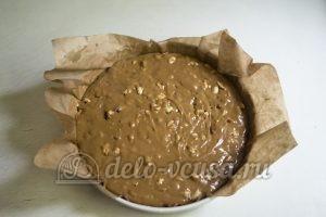Карамельные конфеты с арахисом: Перелить карамель в форму