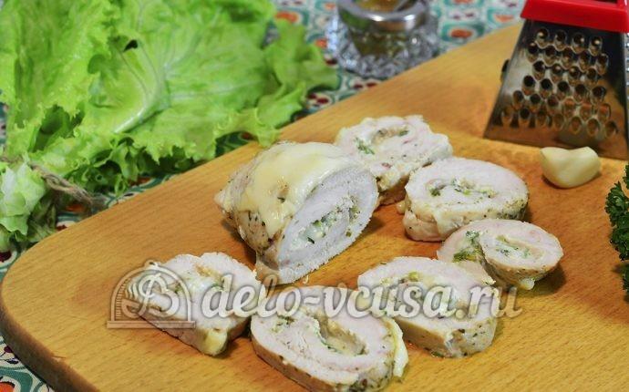 Куриный рулет с сыром и чесноком