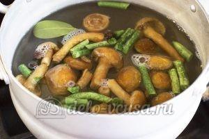 Макароны с овощами и грибами: Варим опята и фасоль