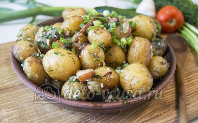 Молодая картошка с салом