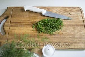 Оладьи из картофельного пюре: Измельчить укроп