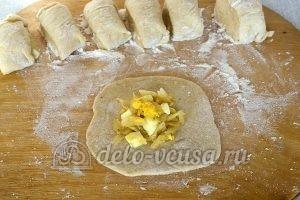 Пирожки с капустой и яйцом в духовке: Кладем начинку