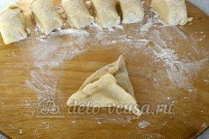 Пирожки с капустой и яйцом в духовке: Формируем пирожки